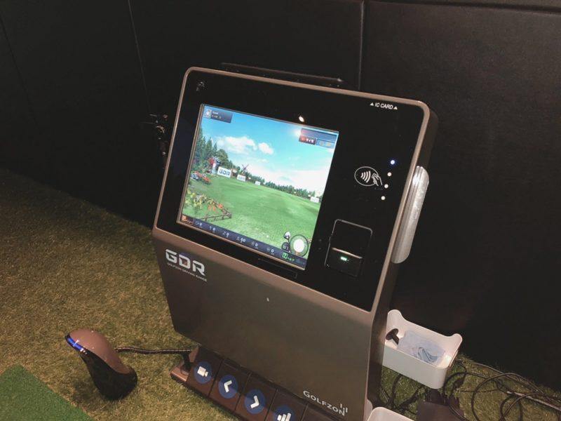ライザップゴルフ仙台店のゴルフシミュレーションマシン